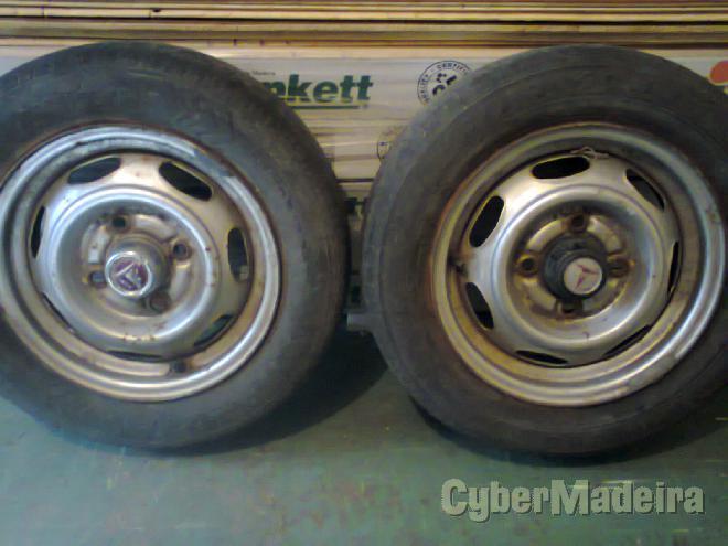 """2 Jantes AçO Toyota13"""" com pneus"""