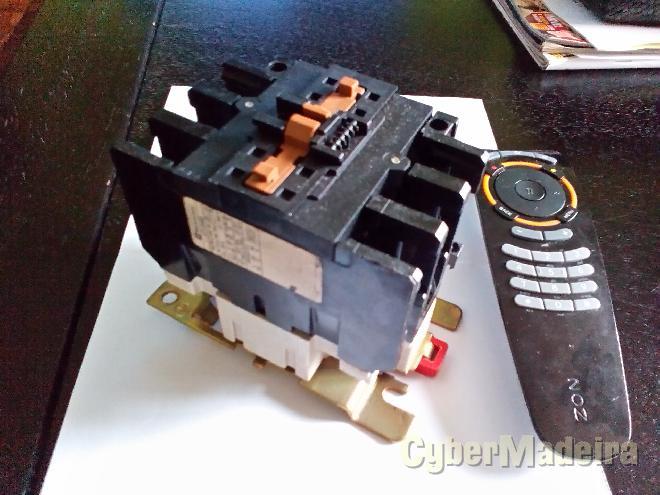 Contactor trifásico 50 60 amperes c bobine 220V ac