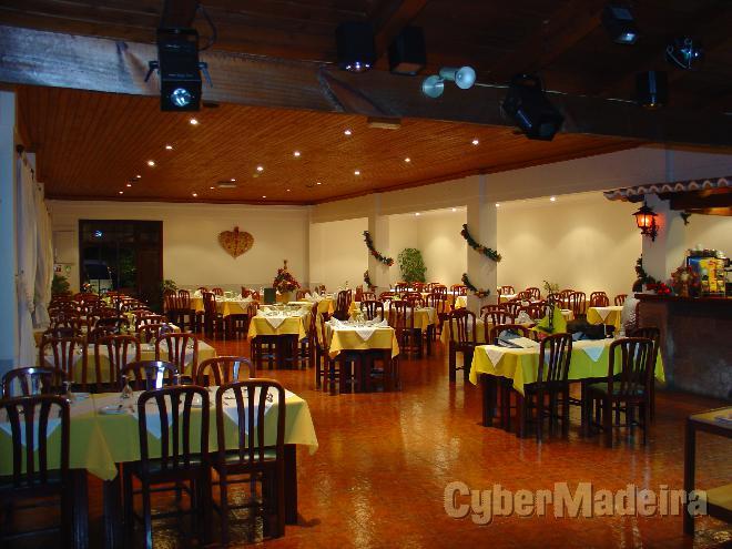 Restaurante O Garfo Caminho Santo António 234A 9000-321 Portugal, Ilha da Madeira, Funchal, Santo António, Madalenas,