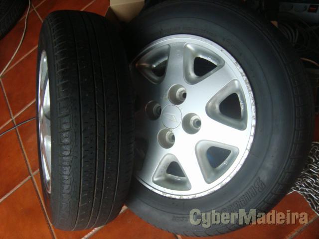 """Jantes com pneus 175X70 R13 daihatsu charade  furação 4X10013"""" com pneus"""