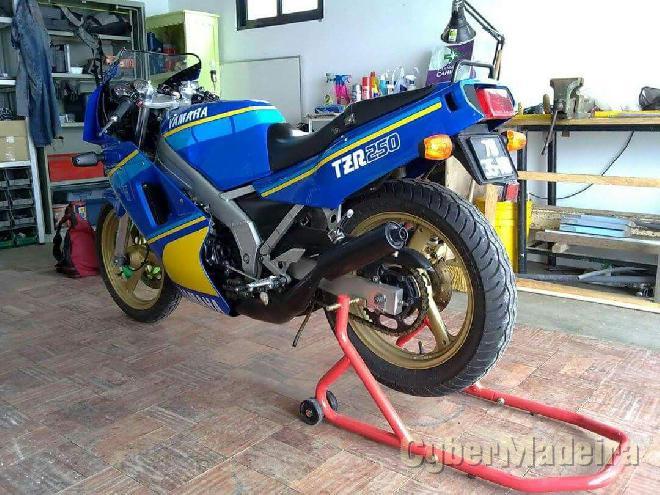 Yamaha TZR 250 2MA 250 cc Grande turismo