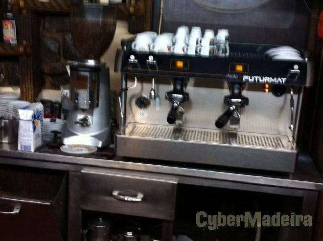 Maquina de café com dois meses de uso