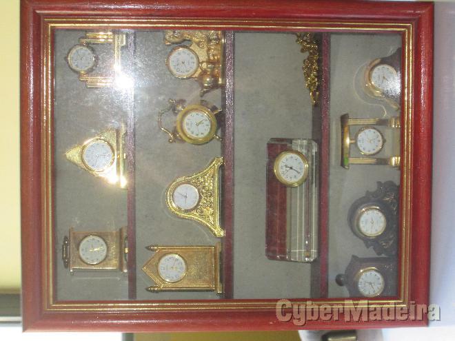 Coleção de min. de relógios