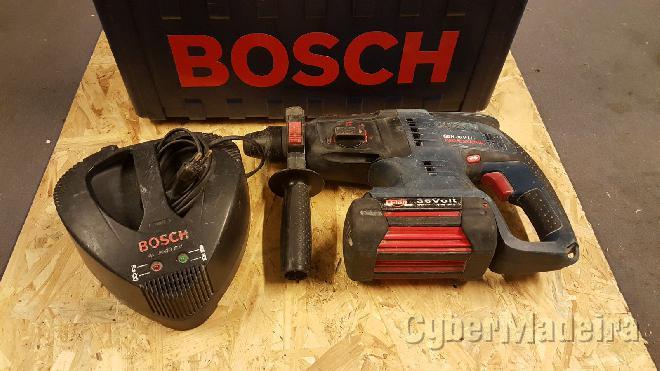 Maquina prefessonal A bataria Bosch 36VOLTOS muito potente