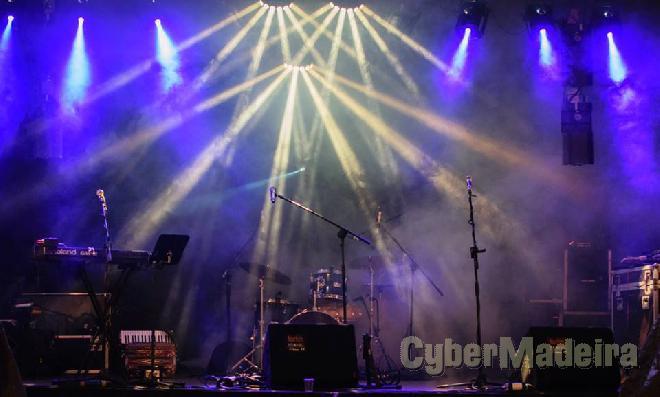 Animatura, conjunto musical, som E luz