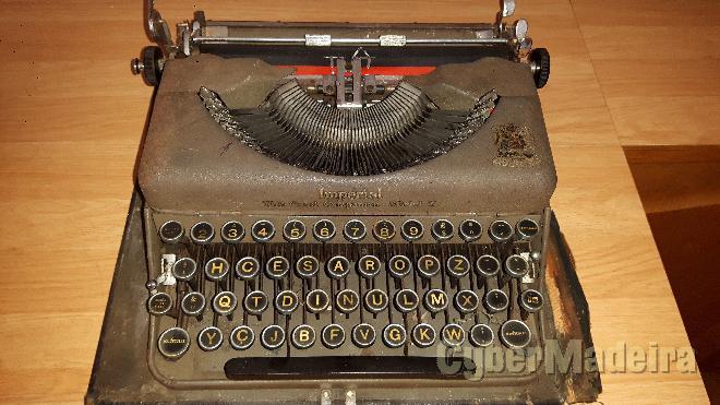 Máquina de escrever imperial - modelo t