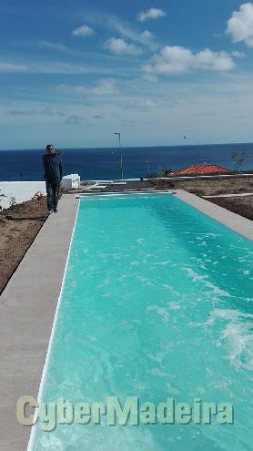 Construção de piscinas de coberturas automáticas