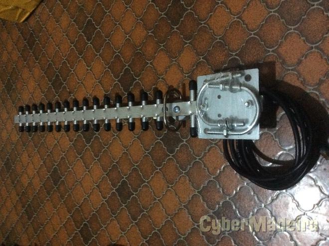 Antena yagi 2.4GHZ 16 elementos com cabo E ficha rp-sma