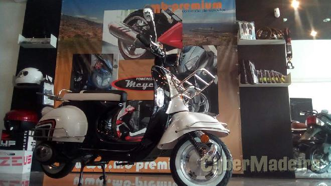 Mcycles BEE 2 125 125 cc Scooter