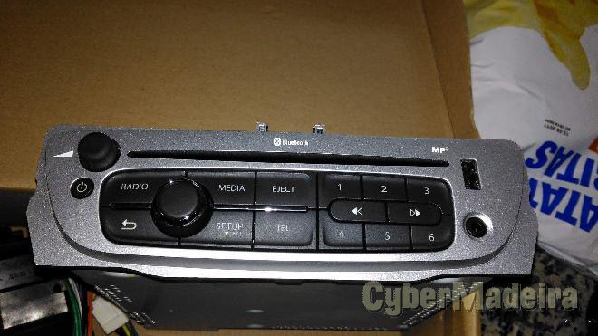 Rádio original Renault megane 3 bom preço