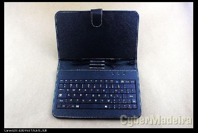 Capa tablet 7 + teclado novo Outras