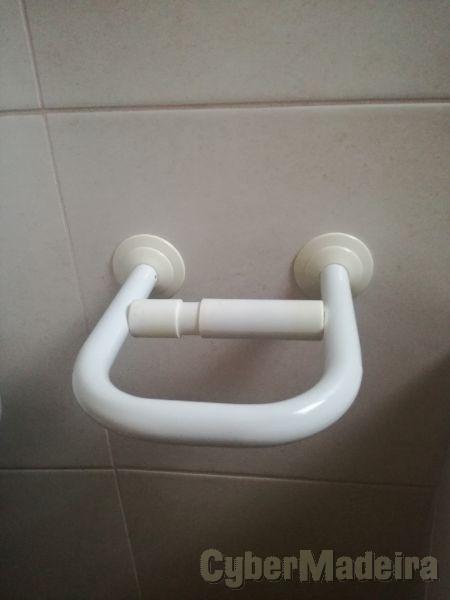 Conjunto Porta Toalhas e Papel Higiénico
