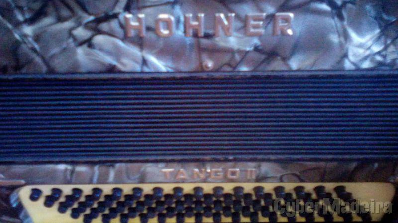 Acordeao hohner tango ii