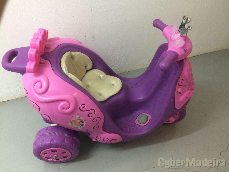 Moto elétrica infantil menina