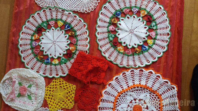 Conjunto de toalhas de mesa bordados portugueses