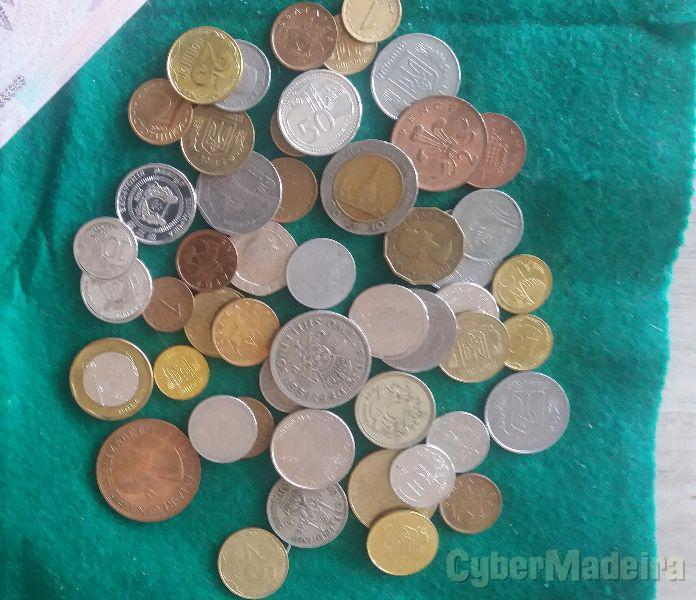 Pequena colecção de moedas antigas de diversos países