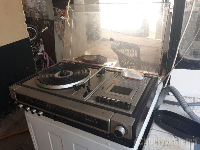 Leitor de disco vinil antigo , Philips