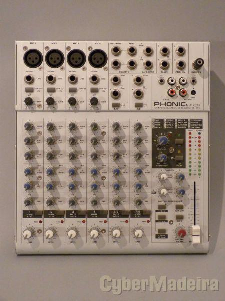 Mesa de mistura phonic MU1202X