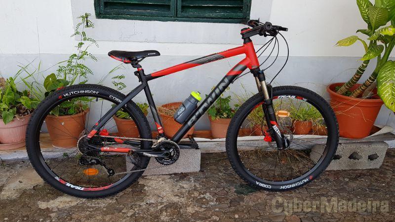 Bicicleta em excelente estadoBTT 2553