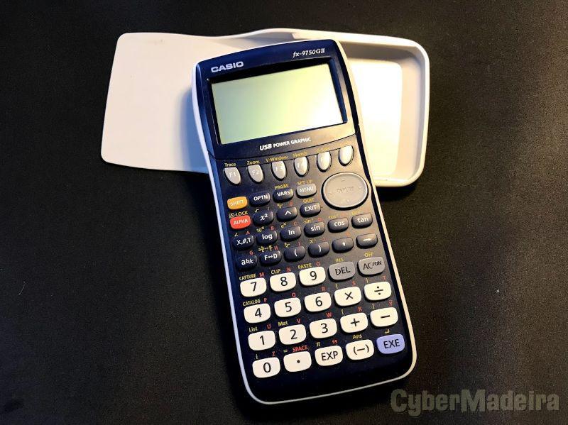 Calculadora casio FX-9750GII em excelente estado, como nova