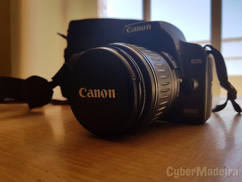 Máquina fotografica canon eos 1000D
