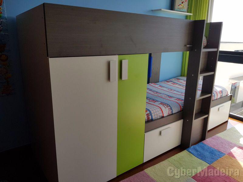 Camarote, estantes E fraldário para quarto de criança