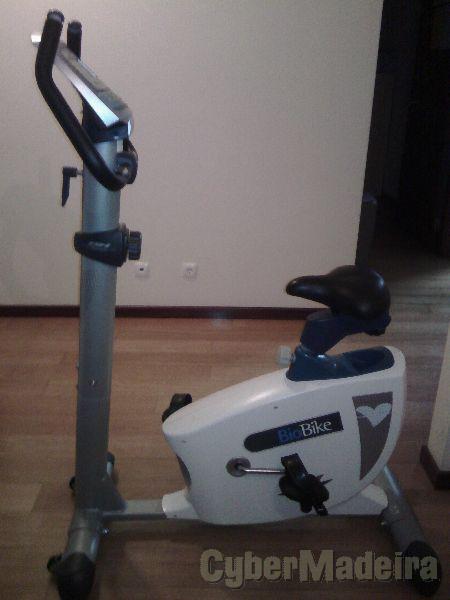 Bicicleta ergométrica bh fitness