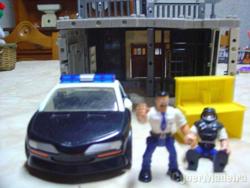 Legos  com carro de policia