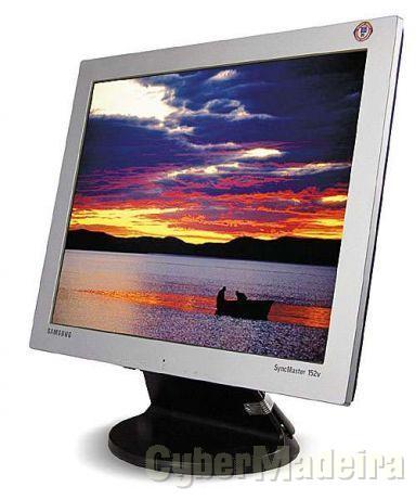 """Samsung SyncMaster 152V - LCD monitor - 15"""""""