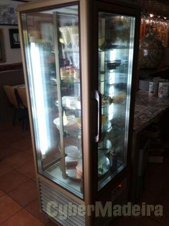 AEG vitrina de sobremesas rotativa refrigerada