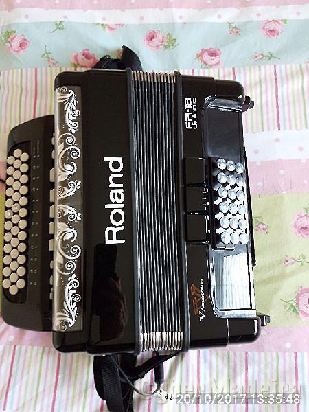Roland FR18