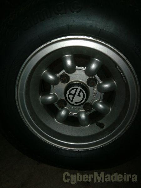 "Mini light 10"" com pneus"