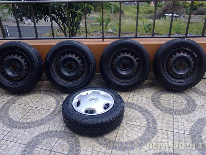 """Jantes 4/10013"""" com pneus"""