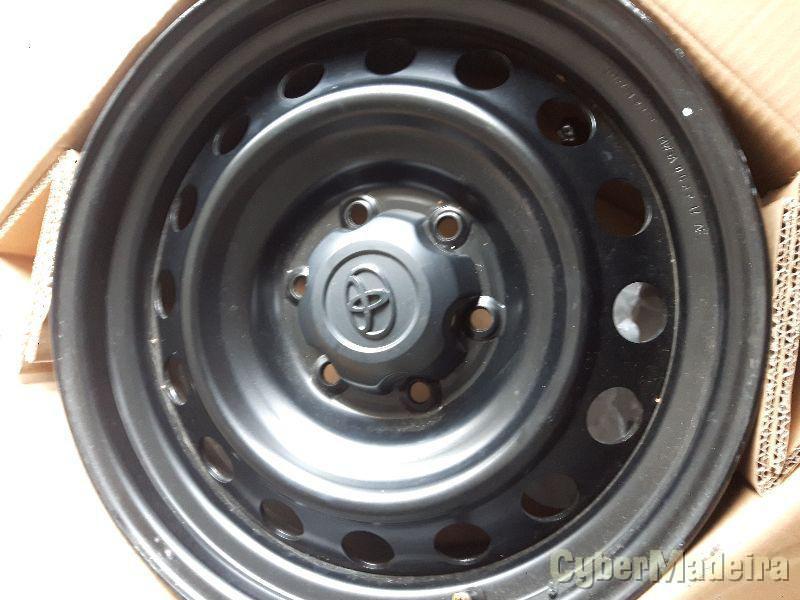 """Jantes ferro + centros  17 Toyota hilux17"""" sem pneus"""