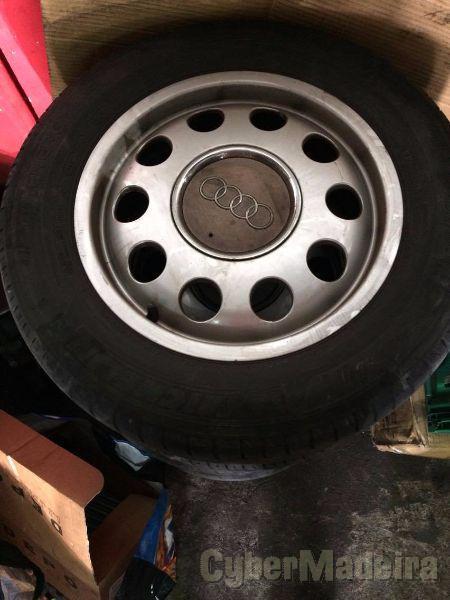 """Jantes 5X100 15"""" com pneus"""