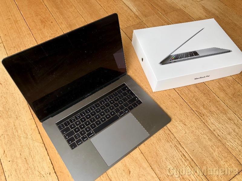 """Apple MacBook Pro 15"""" TouchBar (Late 2016)- 2,9GHz i7, 1TBSSD, 16GBRAM"""