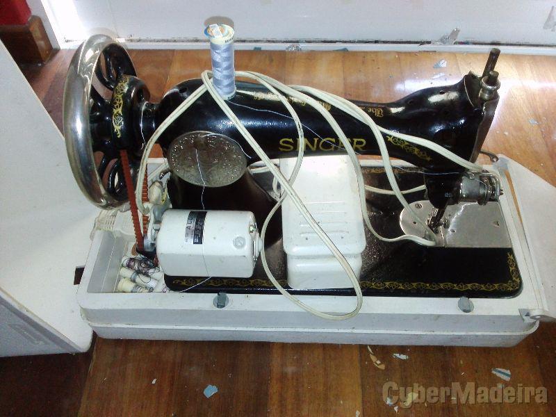 Maquina costura singer portatil E com motor electrico