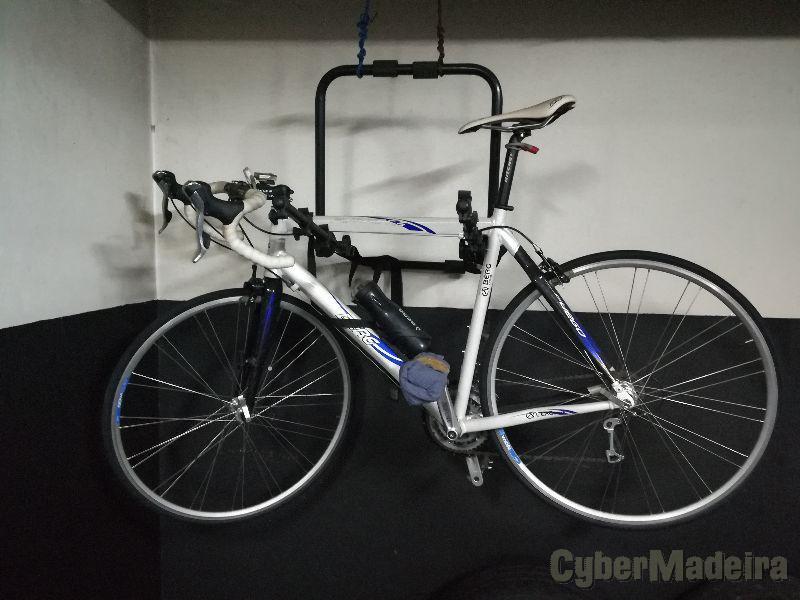 Bicicleta de estrada berg em alumínio E fibra de carbono