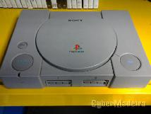 PlayStation 1 cinzenta
