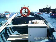 Barco de pesca E motor