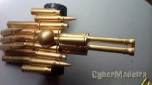 Canhão artilharia feito com munições