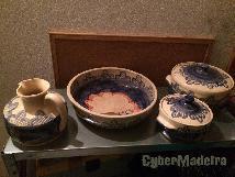 Quatro peças de loiça pintada A mão