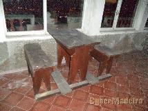 Conjunto de mesas com 2 bancos corridos cada