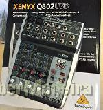Mesa de mistura behringer xenyx Q802USB