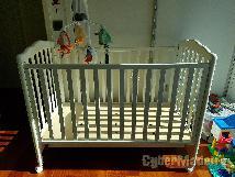 Cama de grades  berço prénatal+móbile+brinquedos