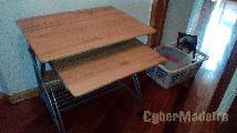 Mesa para computador em óptimo estado