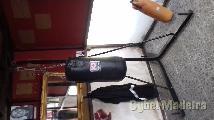 Suporte para sacos de box