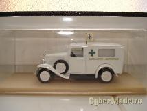 Miniaturas de coleção na escala 1:43  ambulancias