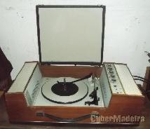 Mala gira-discos antiga