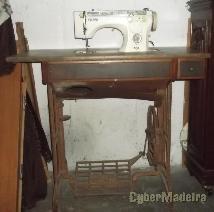 Mesa de costura oliva 1960